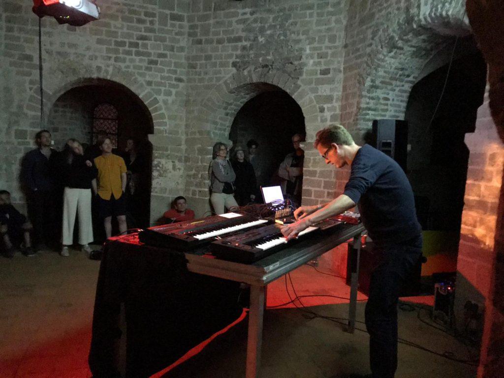 hunter-complex-extrapool-x-valkhof-festival-kapel-nijmegen-july-17-2019-03