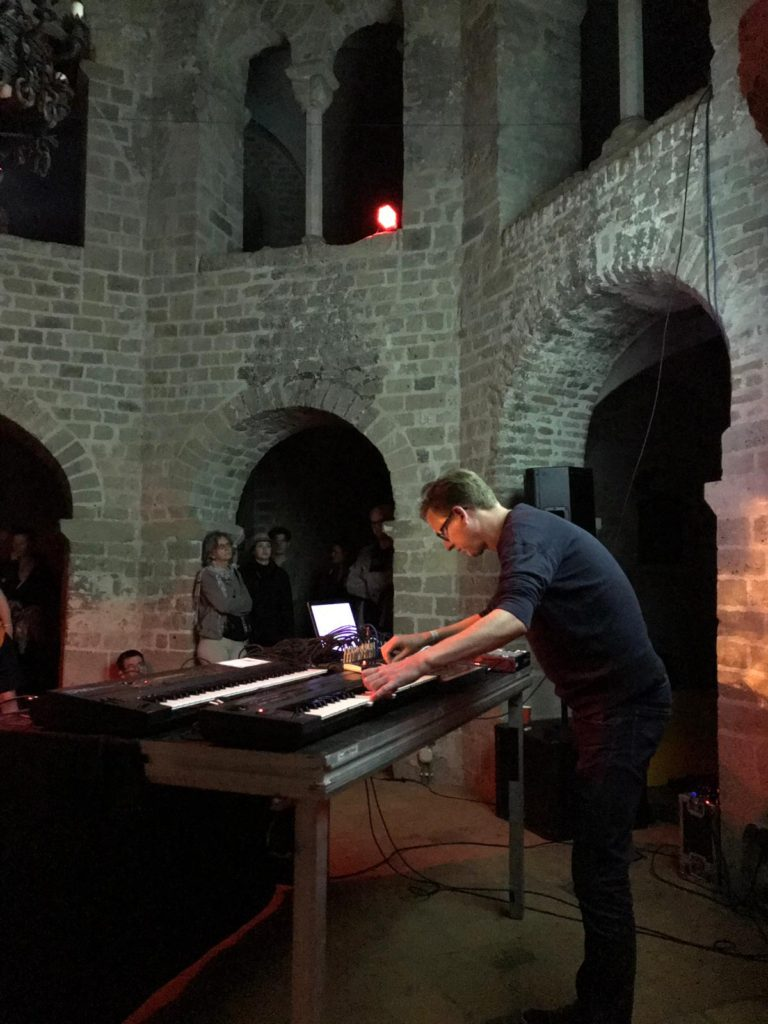 hunter-complex-extrapool-x-valkhof-festival-kapel-nijmegen-july-17-2019-04