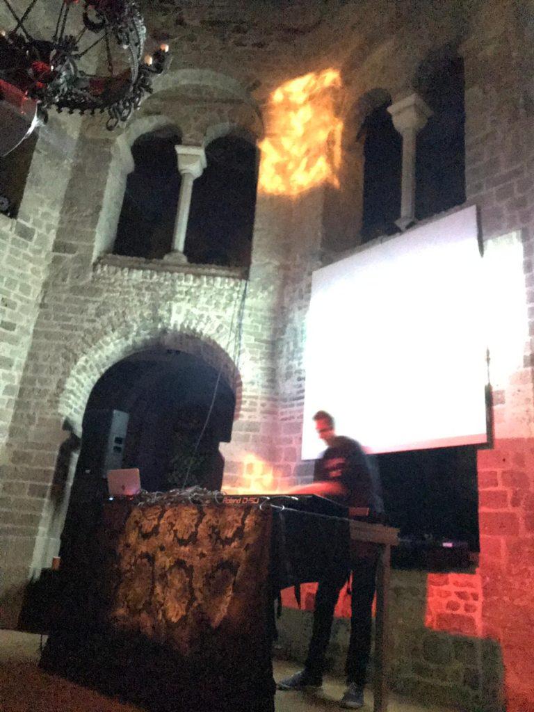 hunter-complex-extrapool-x-valkhof-festival-kapel-nijmegen-july-17-2019-07