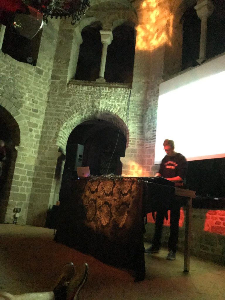 hunter-complex-extrapool-x-valkhof-festival-kapel-nijmegen-july-17-2019-10